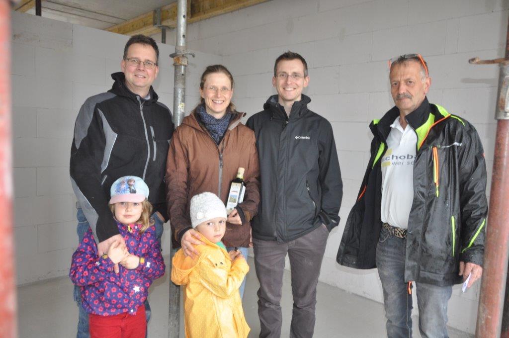 Richtfest in Erfurt – Bauherren feiern die nächste Etappe Ihres Hausbaus